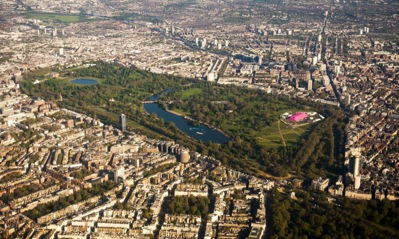 Coronavirus: urban parks can be a lifeline – if we respect lockdown rules