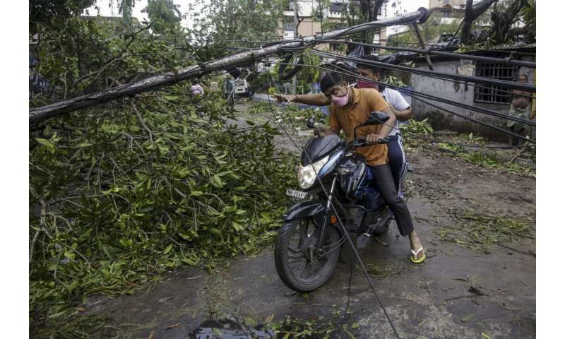 Deadly cyclone cuts destructive path in India and Bangladesh