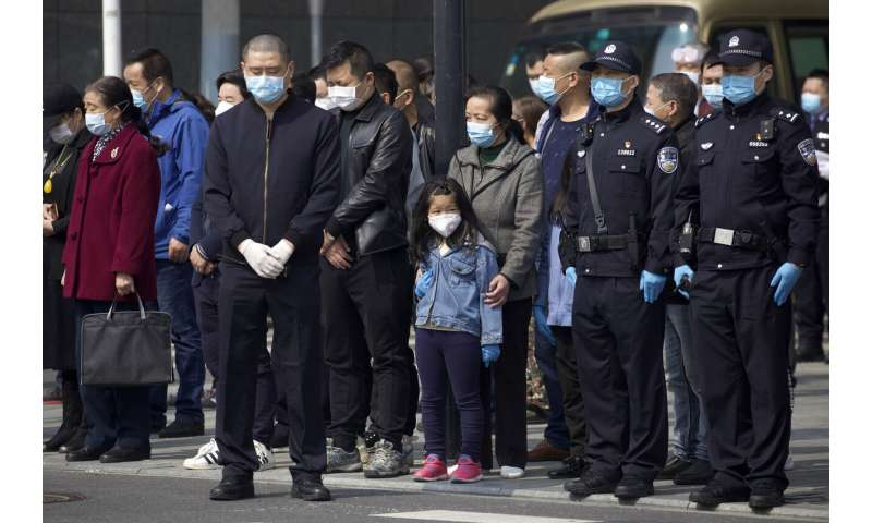 Deaths of doctors, nurses highlight virus risks they run