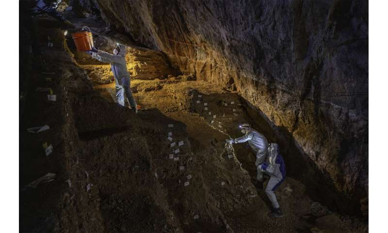 Earliest humans stayed at the Americas 'oldest hotel' in Mexican cave