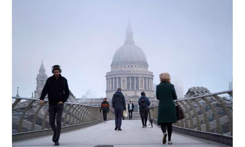 محدودیت های جدید انگلیس تا 2 دسامبر ادامه دارد و در صورت امکان بازگشت به کار از خانه را مجاز می داند