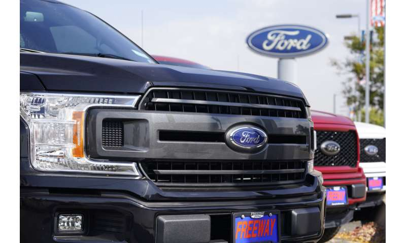 Ford adding 350 jobs at 2 plants to make electric vehicles