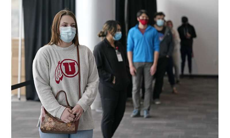 Heading home for the holiday? Get a virus test, colleges say