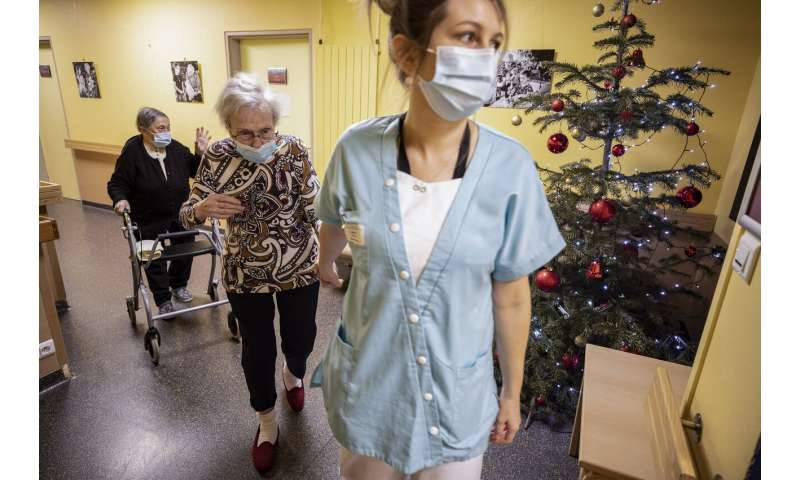 In France, a pandemic dilemma over holiday rights for elders
