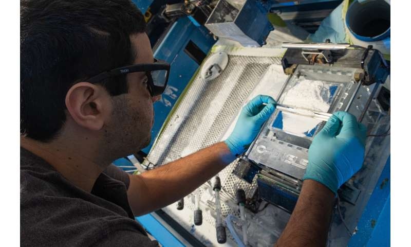 Laser-welded sugar: Sweet way to 3D-print blood vessels