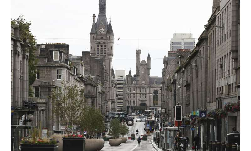 Lockdown reimposed in Scottish city over virus 'cluster'