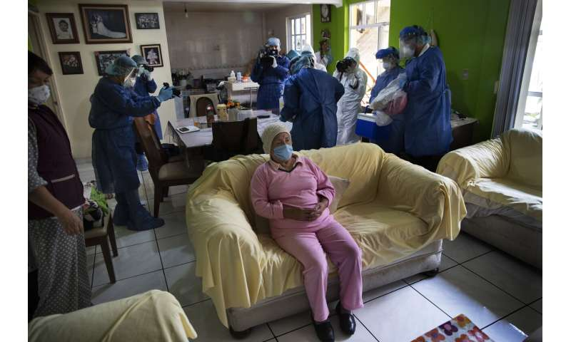 Mexico posts more high virus numbers, acknowledges plateau