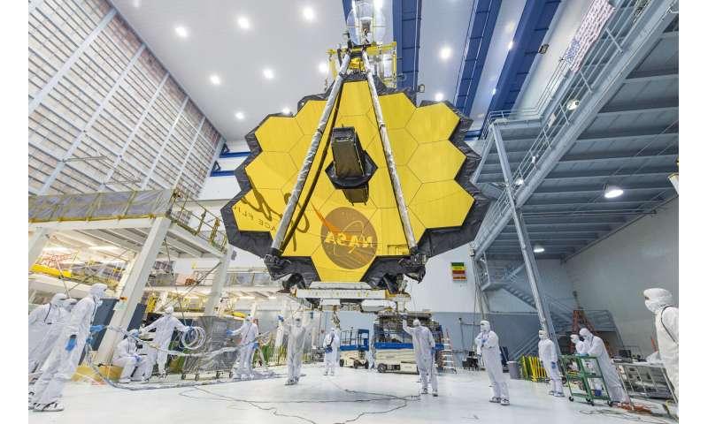 Le successeur de Hubble de la NASA retardé à nouveau par un virus et d'autres problèmes