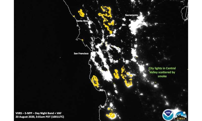NASA's Suomi NPP satellite highlights California wildfires at night