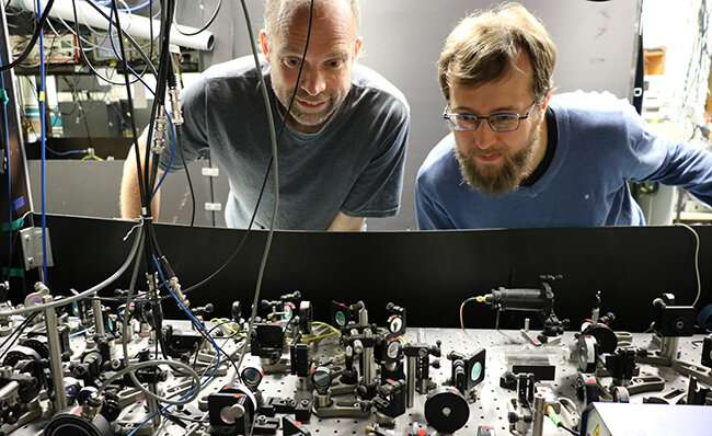 Physicists grab individual atoms in groundbreaking experiment