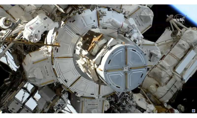 Spacewalking astronauts wrapping up battery improvements