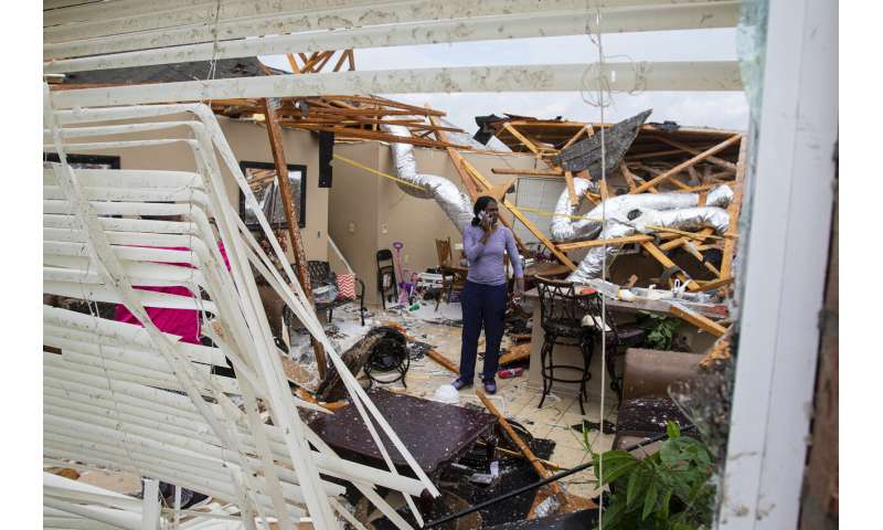 Easter storms sweep South, killing at least 20 people