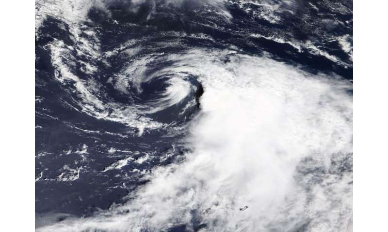 NASA's Terra Satellite provides clear picture of wind shear battering Omar