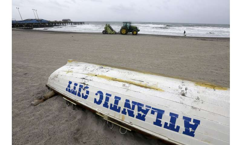 Tropic storm Isaias whips up eastern US, killing at least 6