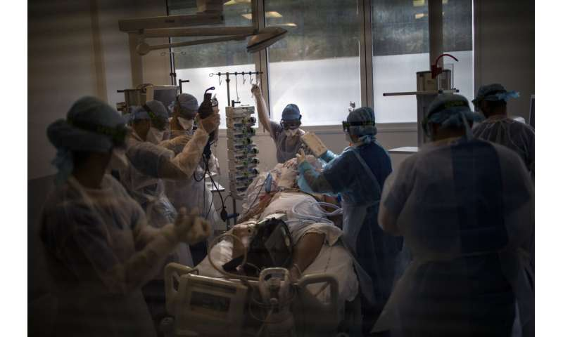 24 hours in the ICU: Fighting for an open bed in coronavirus