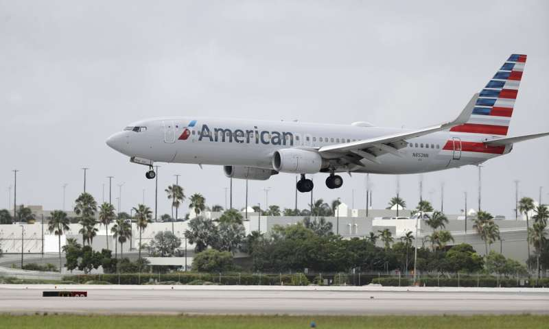 American Airlines plans 19,000 furloughs, layoffs in October