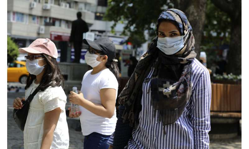 Turkey reports daily rise in virus cases to over 1,000