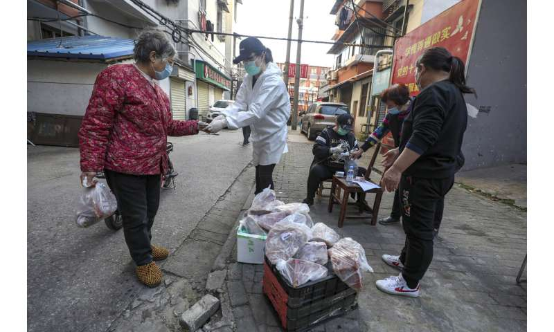 Wuhan reports no new virus cases, offering hope to world