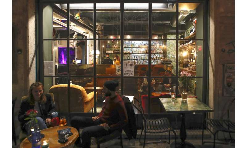 Italy closes gyms, shuts eateries early to fight COVID-19