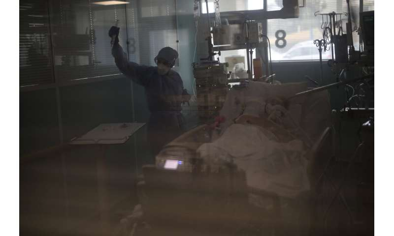 As virus fills French ICUs anew, doctors ask what went wrong