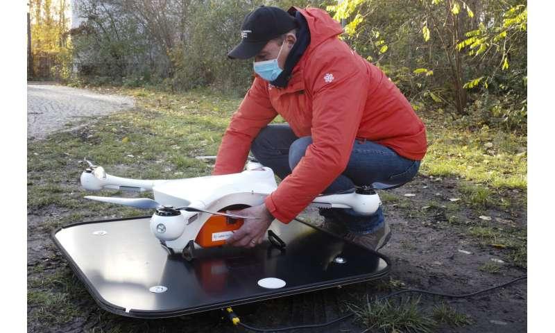 Des drones à la rescousse: le laboratoire de Berlin cherche des tests de virus plus rapides