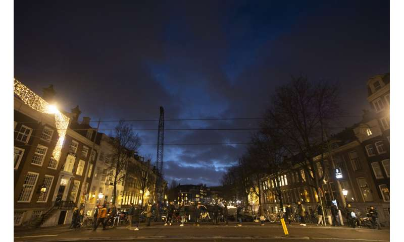 Dutch leader announces tough new nationwide virus lockdown