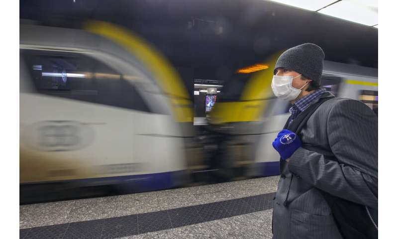 EU to ban most foreign travelers for 30 days to curb virus