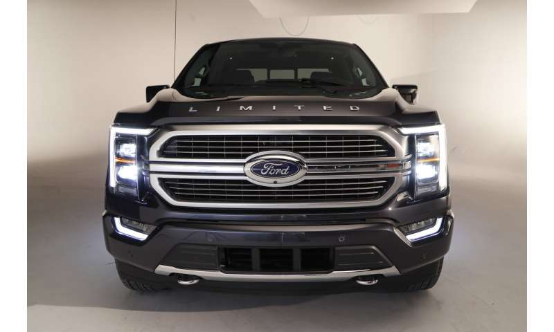 Ford plays it safe with revamped F-150, focuses on interior