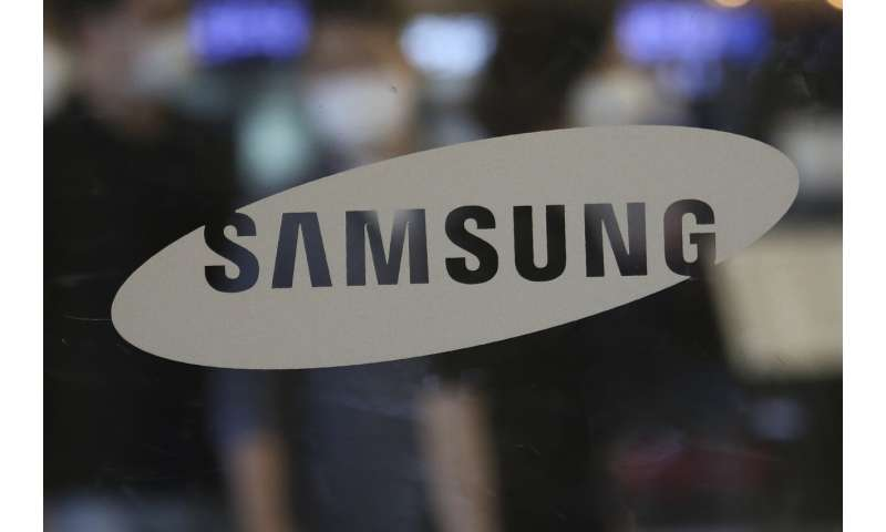 Samsung's new phones test consumer demand for pricey gadgets