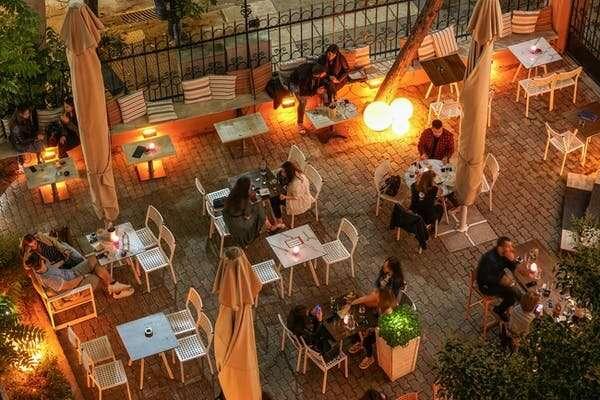 Seven ways social distancing will change restaurants