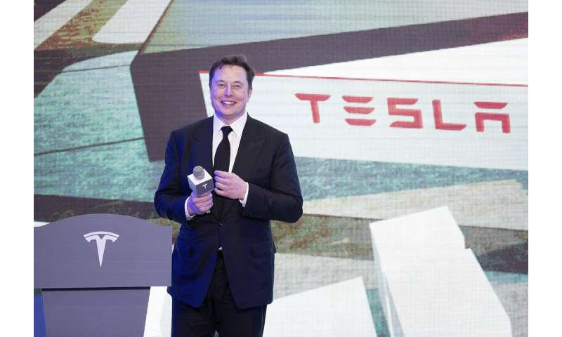 Tesla delivers first Chinese-made Model 3 to customers