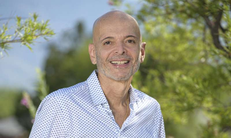 UArizona Health Sciences researcher seeks safer, more effective leukemia treatment