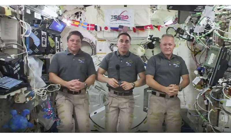 US astronauts pack up for rare splashdown in SpaceX capsule