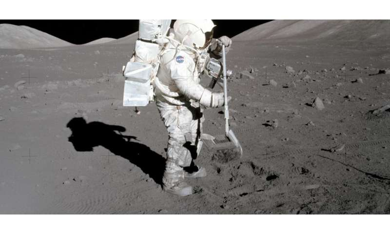 Researchers develop dustbuster for the moon