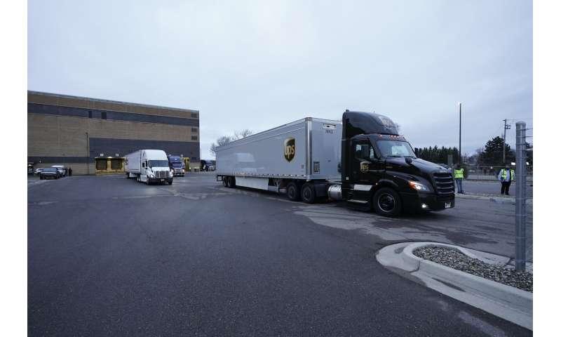 COVID-19 vaccine shipments begin in historic US effort
