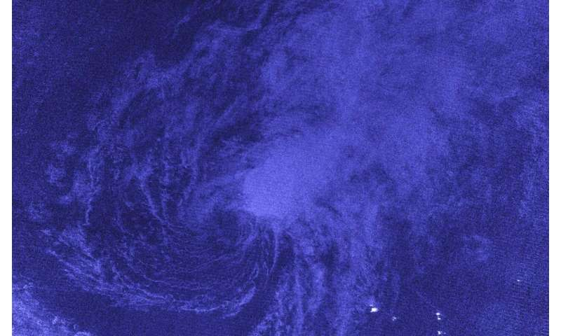 """NASA-NOAA satellite's """"night vision"""" find wind shear battering Tropical Storm Vicky"""