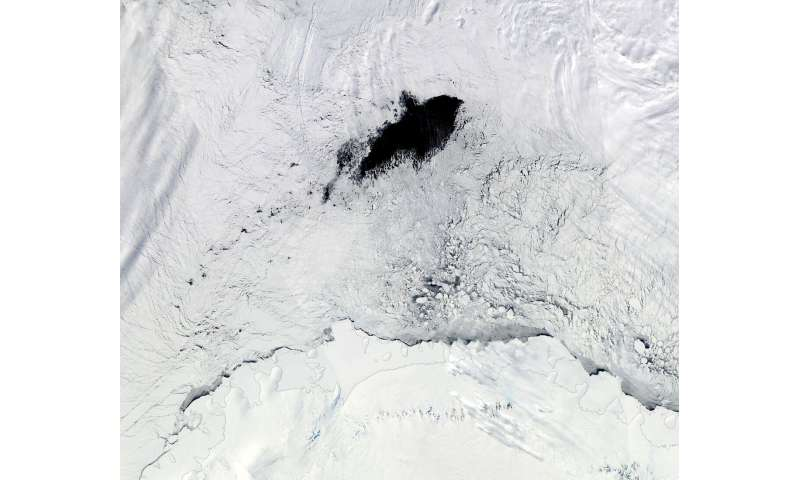 Atmospheric rivers help create massive holes in Antarctic sea ice