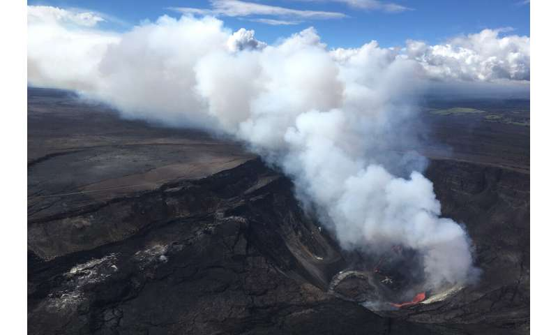Lava lake forms as Hawaii volcano erupts after 2-year break