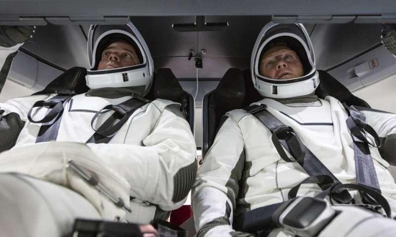 NASA's newest test pilots are veteran astronauts, friends