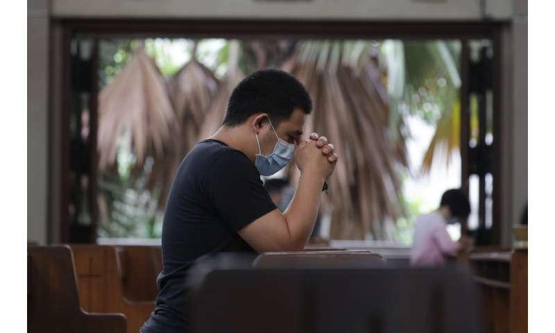 , Philippines virus cases top 100,000 in 'losing battle'