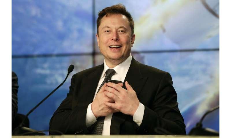 SpaceX phóng, phá hủy tên lửa trong thử nghiệm thoát hiểm của phi hành gia