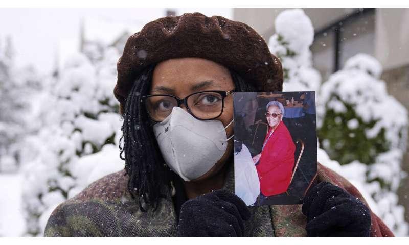 Coronavirus deaths surpass 10,000 in hard-hit Massachusetts