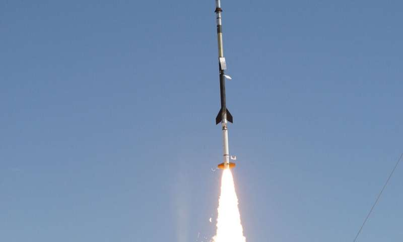 NASA sounding rocket finds helium structures in sun's atmosphere