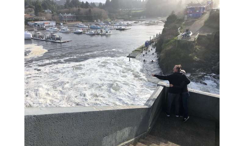 Photos of 'king tides' globally show risks of climate change