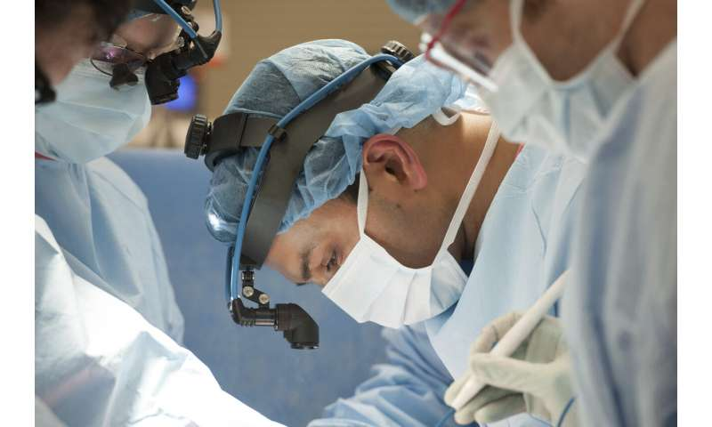 Coronavirus survivor in US receives double lung transplant