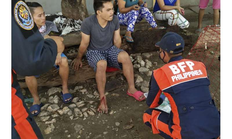 Strong quake in Philippines kills 1, damages houses, roads