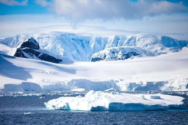 Rocky icebergs and deep anchors – new research on how planetary forces shape the Earth's surface