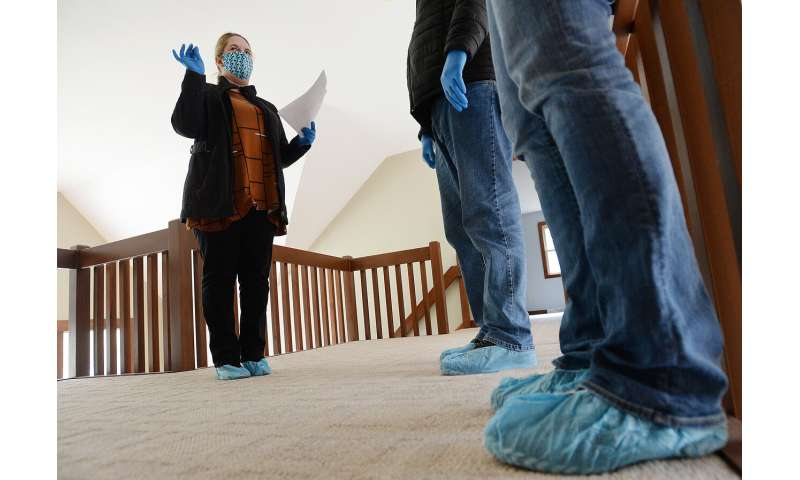 South Korea reports more virus cases, Pakistan eases curbs
