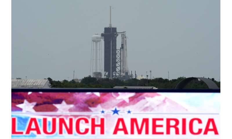 Stormy weather puts damper on SpaceX's 1st astronaut launch