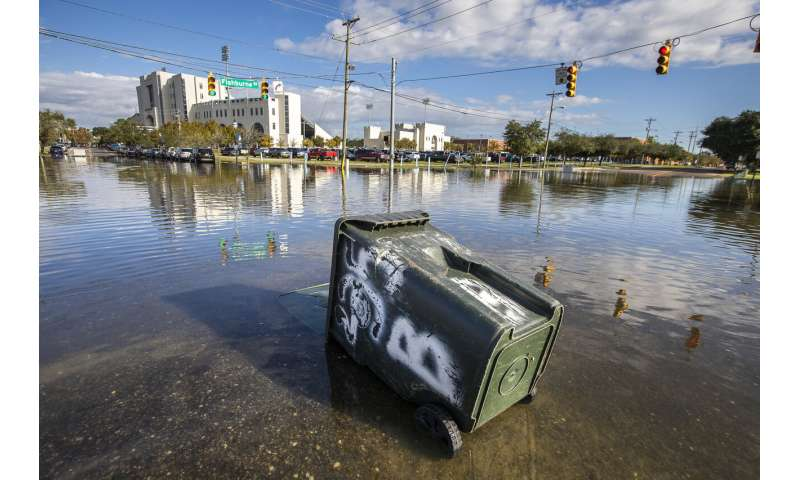 Charleston weighs wall as seas rise and storms strengthen